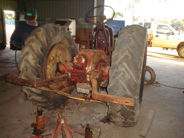 a view of the backend of the Allis Chalmers tractor before restoration began