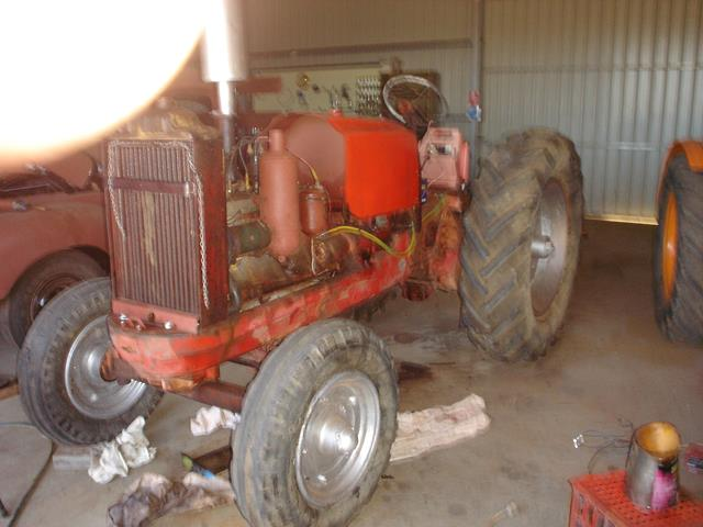 Allis Chalmers tractor before being restored by Beacon Mens Shed